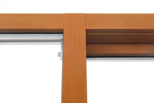 Montante fisso centrale in linea con profilo anta interna, tipologia alzante scorrevole 1 anta apribile e laterale fisso fermavetro. Vista esterna.